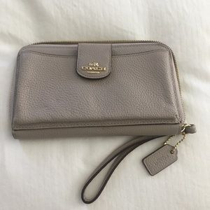 Coach dove grey wristlet pebbled leather